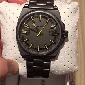Auth oversized Diesel mens watch